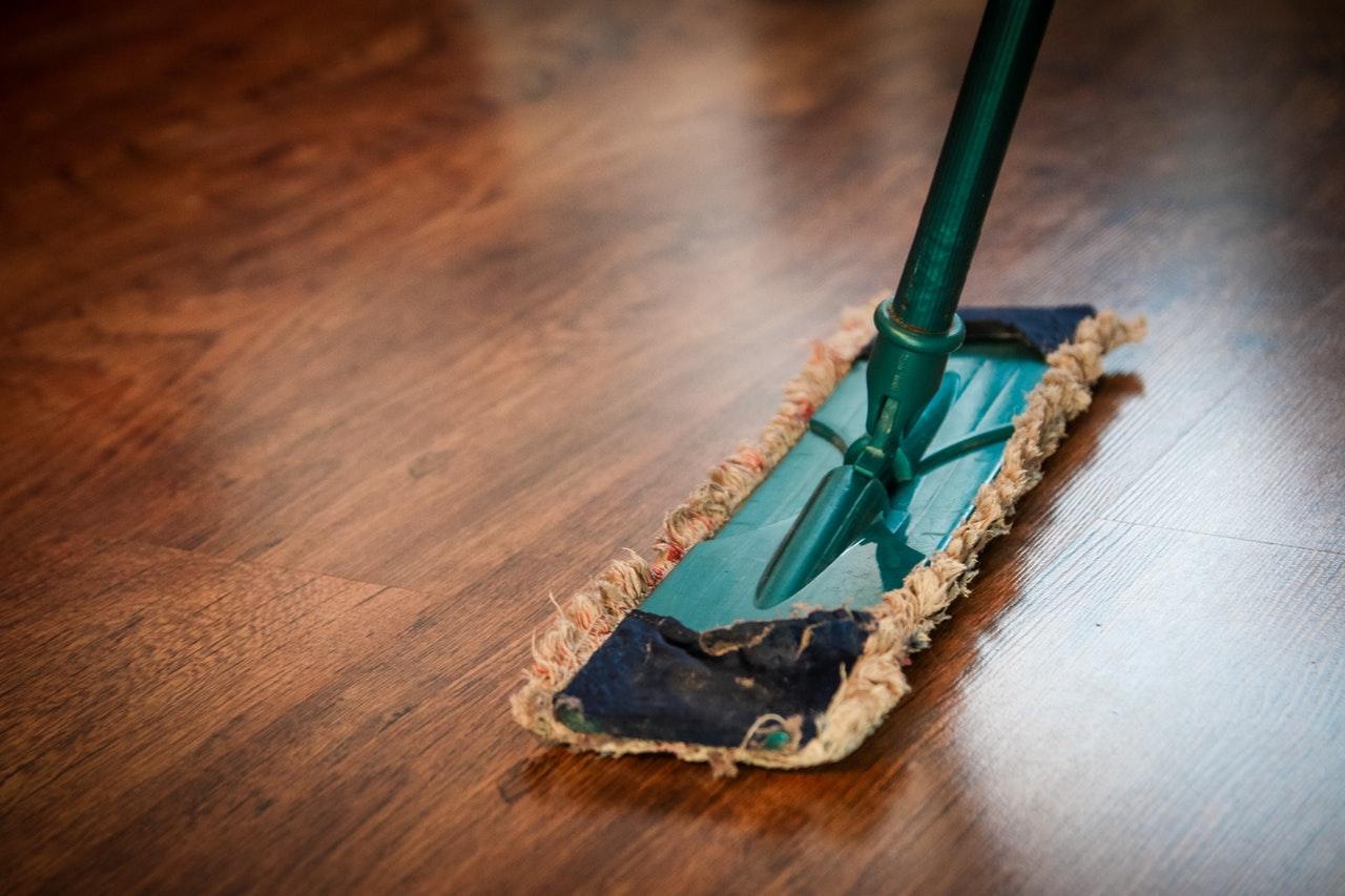 Mopp på golv